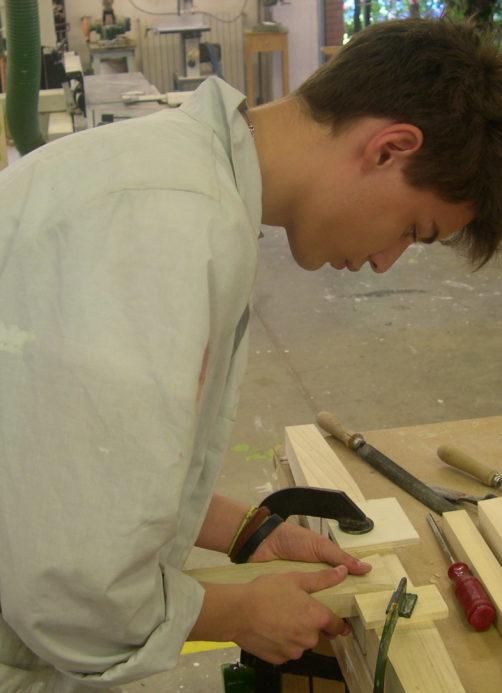 operatore del legno cuneo
